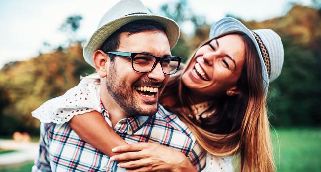 Cara Agar Pasangan Mau Mendengarkan, Jangan Emosi Dulu