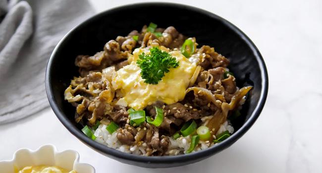 Resep Gyudon With Egg Mayo