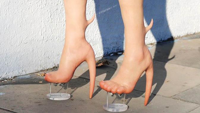 Sepatu Terunik di Dunia yang Pernah Ada, Aneh Gak?